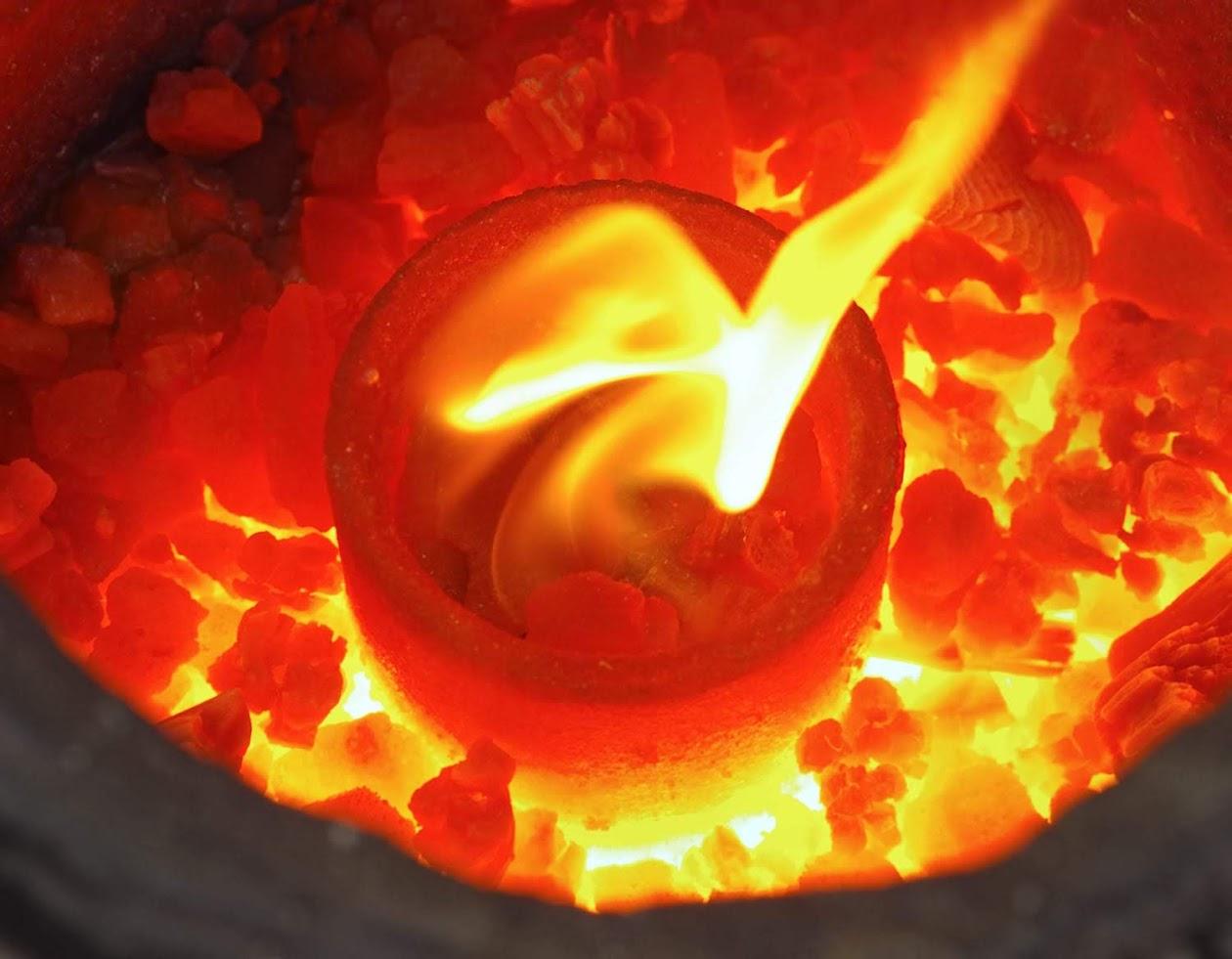http://www.ayuryog.org/sites/default/files/copper_in_furnace_2.jpg